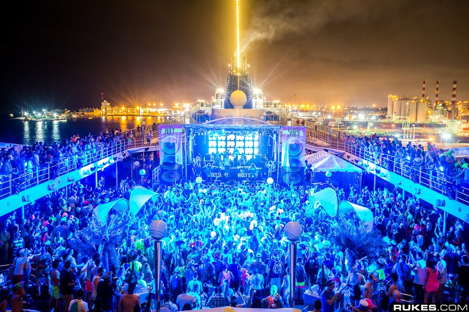 Watch Kaskade b2b Claude VonStroke b2b A-Trak from Holy Ship!