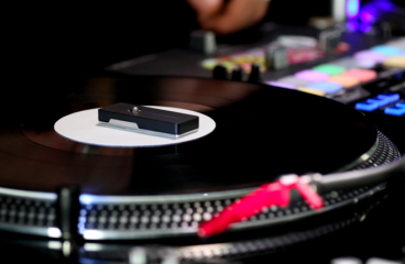A new gadget lets you use vinyl to play and scratch music without a needle