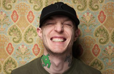 "Deadmau5 Debuts New Club-Friendly Cube & Plays Out Upcoming ""Strobe"" Remix"