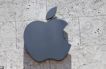 Apple's Shares fall 9% Which is their Biggest Decline in Sixteen Years