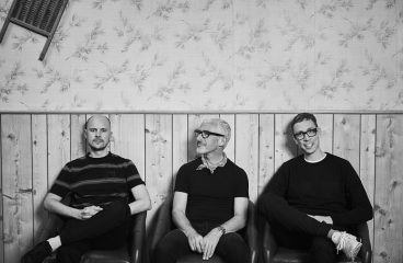 Above & Beyond reunite with Marty Longstaff for 'Flying By Candlelight'!