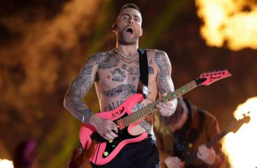 Adam Levine Wore Kandi During Super Bowl Halftime Show Performance