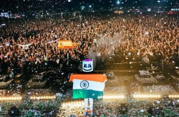 Marshmello Moment of Silence for Soldiers Killed in Terror Attack