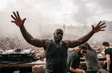 Shaq Just Jumped Into The Crowd To Moshpit At Ultra [VIDEO]