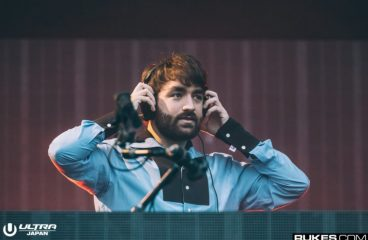 "Oliver Heldens Calls Out Headlining DJs for ""Buying Fake Views"" On Their Sets"
