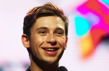 """Flume Reveals The Hidden Meaning Behind His Grammy-Nominated """"Hi, This Is Flume"""""""