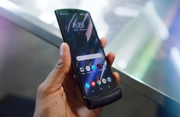 Motorola's RAZR Is Officially Back As A Futuristic New Touchscreen Flip-Phone