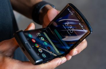 Motorola's RAZR is Officially Back With a Foldable Display