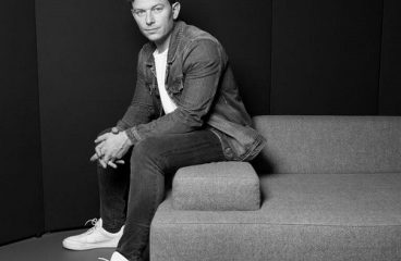 FEDDE LE GRAND & JOSH CUMBEE KICK OFF 2020 WITH 'DANCING SHOES'!