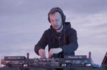 Andrew Rayel – Carry You Home
